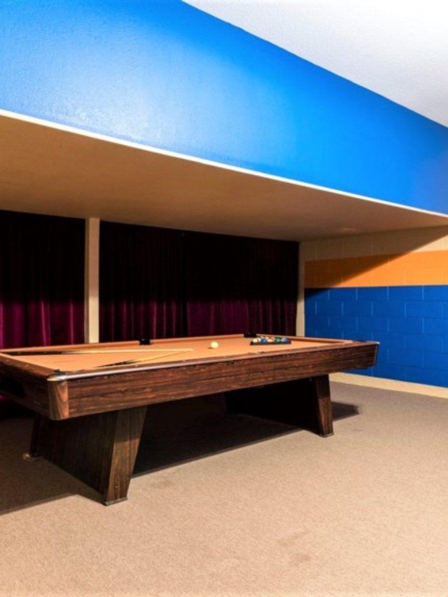 Portrait original gameroom 1