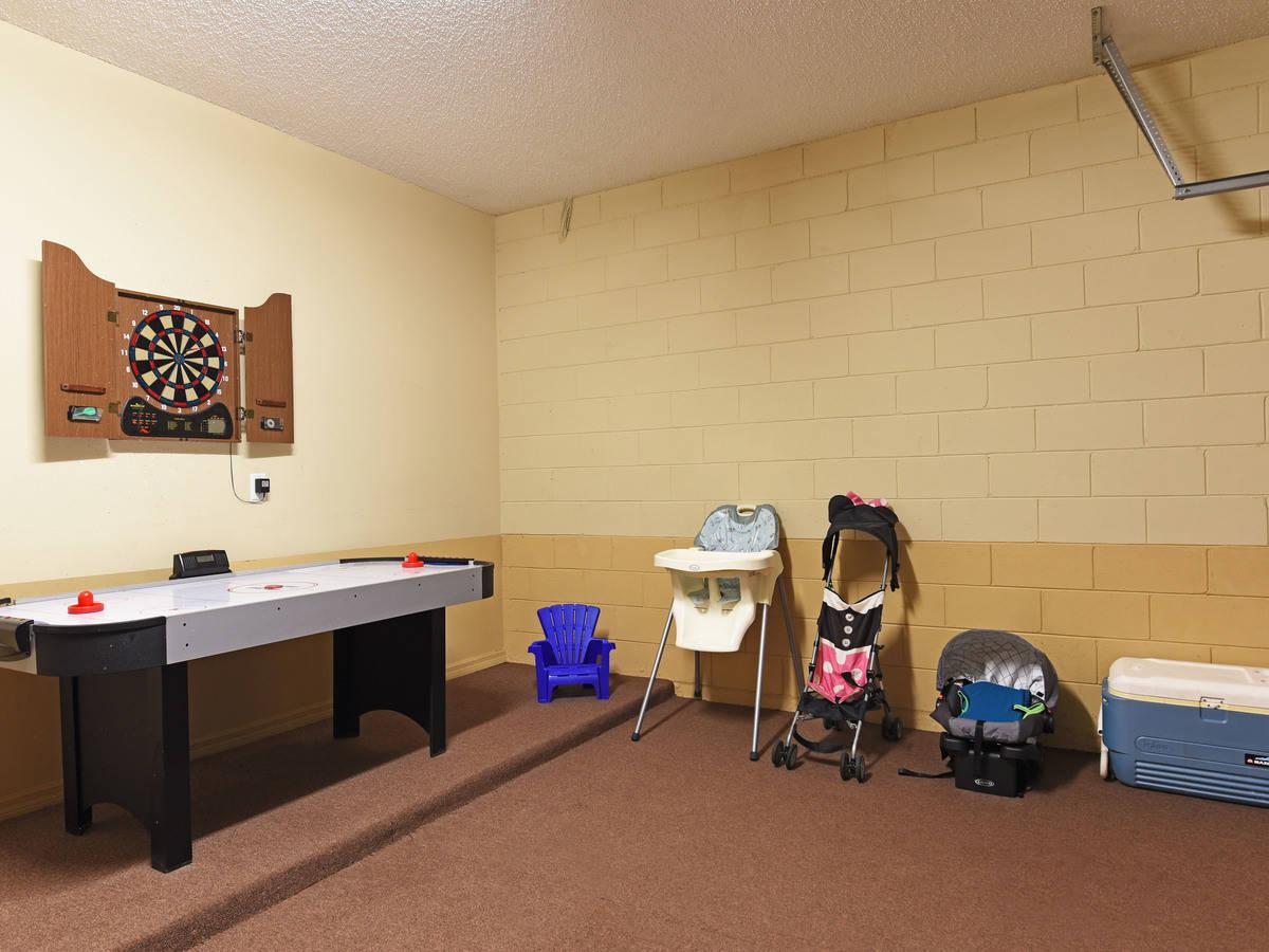 Computer original game room 2